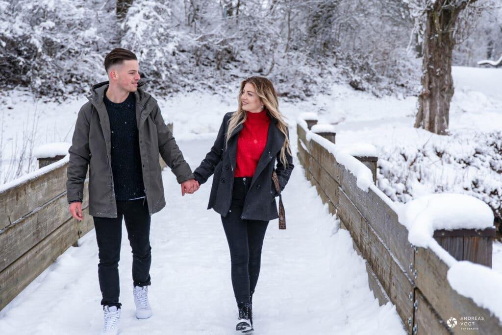 winterliche-paarfotos-janine-und-keven-andreas-vogt-fotograf