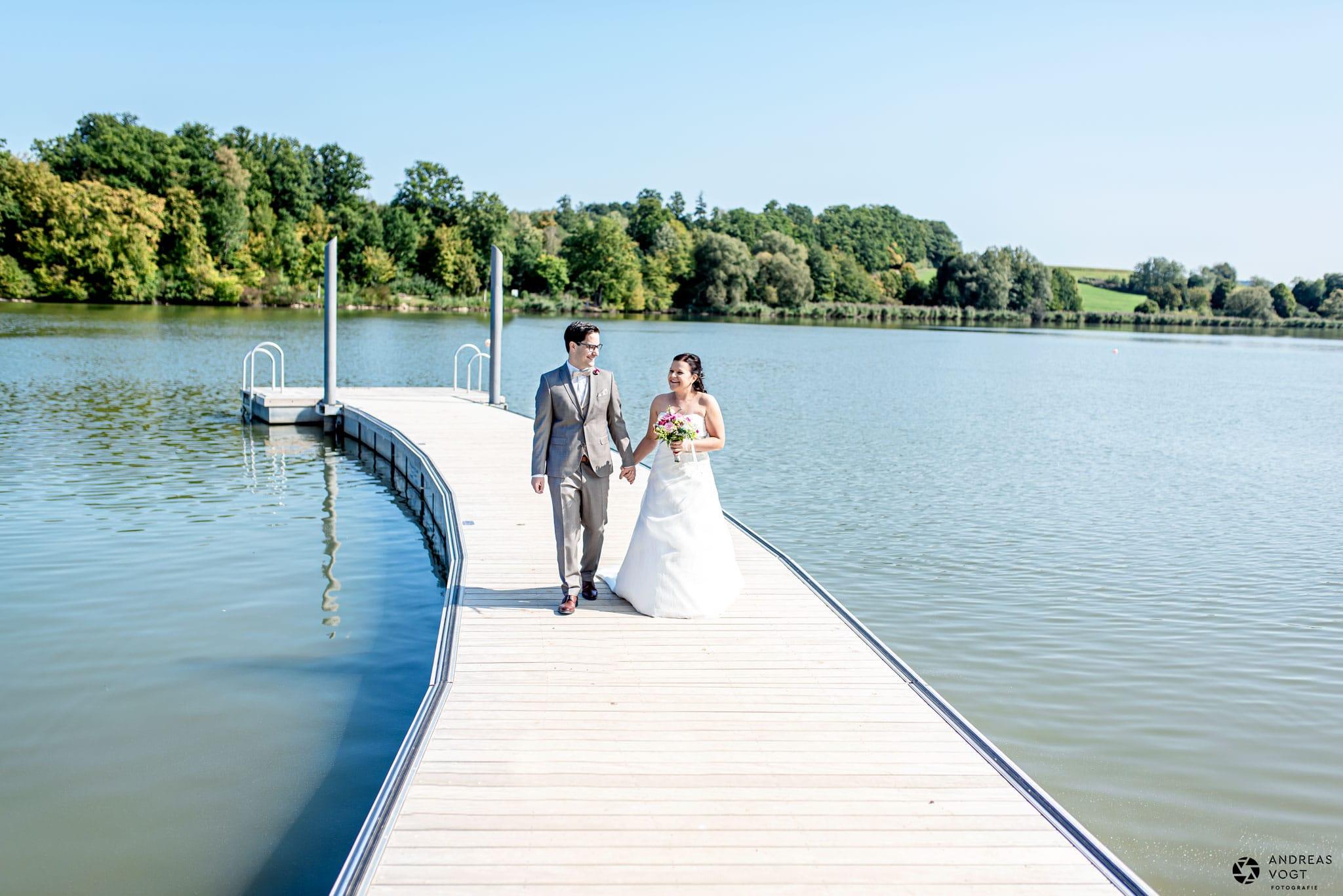 Hochzeitsblog Hochzeitsfotograf Andreas Vogt aus Aalen - Brautpaar am See