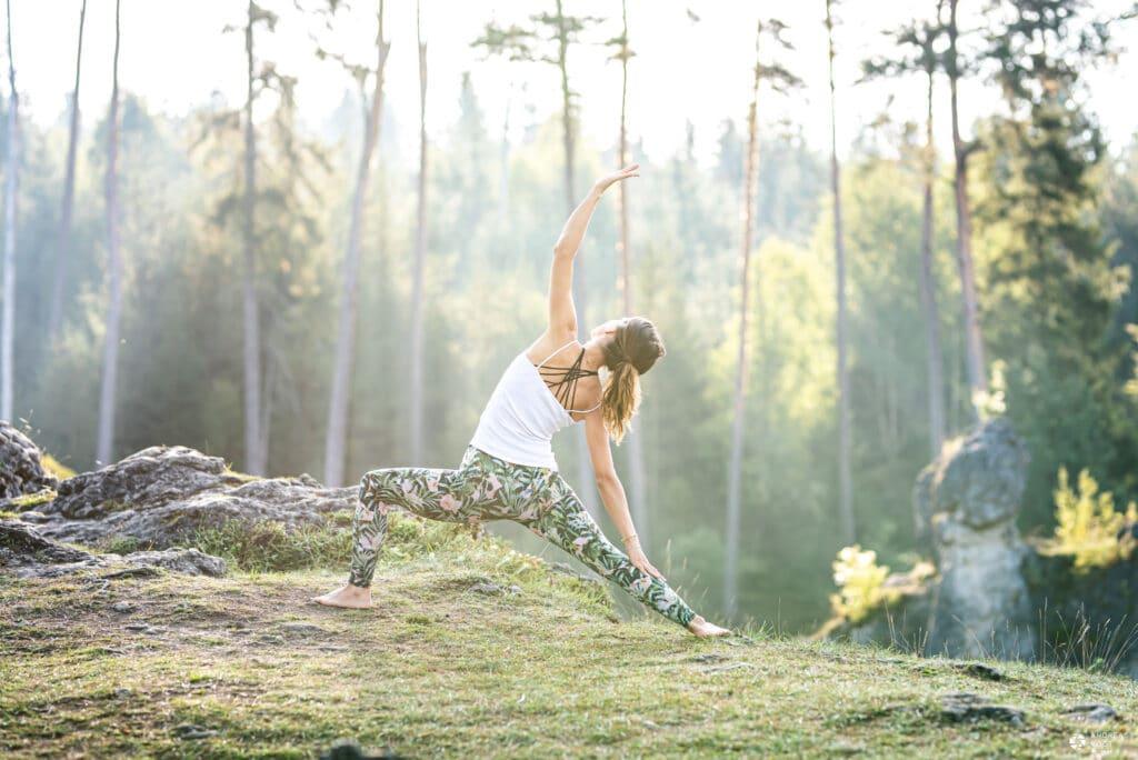 Yoga-Fotoshooting mit Clara im Wental - Fotograf Andreas Vogt aus Aalen